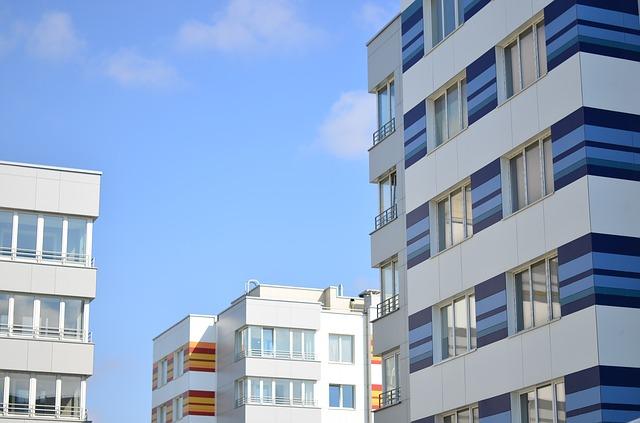 beneficios del cerramiento exteriores en viviendas - Cerramientos De Balcones